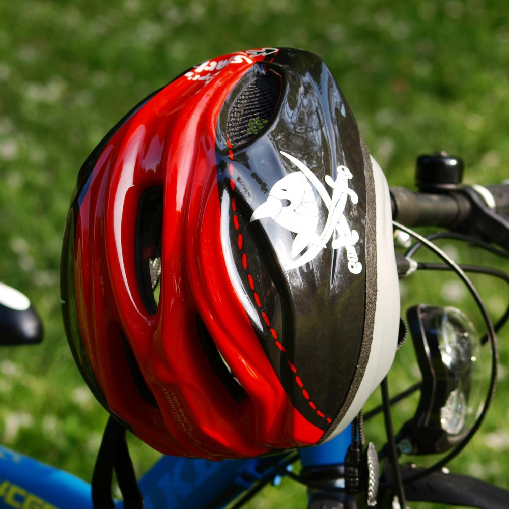 bicycle-helmet-335751